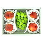 【送料込み!】【今が旬の果物をご自宅で!】 山梨県産桃(大玉)4玉とシャインマスカット1房のセット 【W】 | 沖縄・離島配送不可
