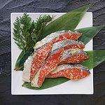 【送料込み!】 【お取り寄せ】【こだわり西京漬け】 紅鮭西京漬け (ロシア産) 6切 【W】 | 北海道・沖縄・離島配送不可 / 着日指定不可