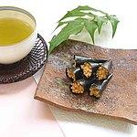 成城石井 手巻納豆 桜海老味 95g (個包装込み) | 成城石井スペシャリテ